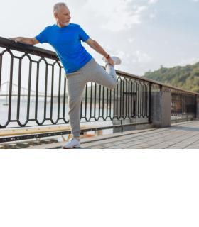 Pour les seniors, le risque de chute lors d'exercices physiques est réel. 123RF