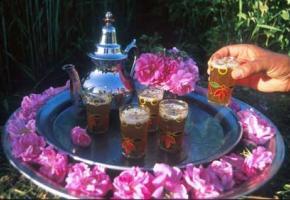 Le thé à la menthe, une tradition typiquement marocaine.