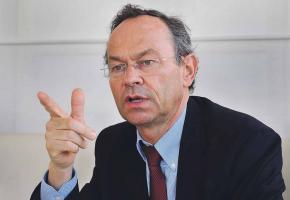 Olivier Français rappelle qu'il a organisé plusieurs séances d'information et de discussion au sujet de l'arrivée du tram au centre-ville. VERISSIMO