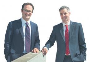 Mathieu Blanc et Pierre-Antoine Hildbrand, conseillers communaux PLR, candidats à la Municipalité