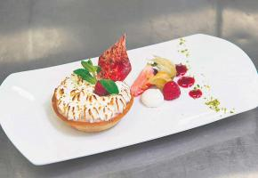 Tartelette à la rhubarbe meringuée