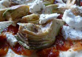 Pizza aux artichauts - pique assiette
