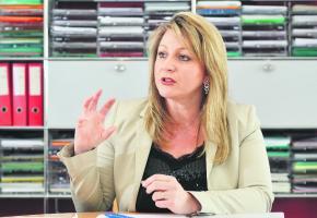 Pour Nuria Gorrite, le décision de supprimer le poste de directeur du LEB est indépendante de la personne concernée. verissimo