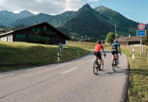 Cette boucle traverse une belle diversité de paysages alpins que vos mollets et vos yeux n'oublieront pas de sitôt. VISUALPS - MATTHIAS LEHMANN