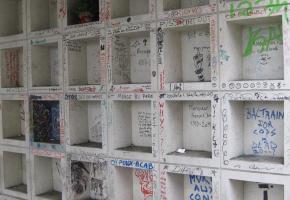 L'incivilité commence parfois par des graffitis et peut aller beaucoup plus loin. DR