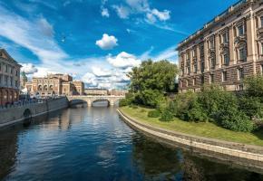 Le pittoresque de Gamla Stan, zone historique. ISTOCK L'élément aquatique est omniprésent dans la capitale suédoise. ISTOCK Stockholm a gardé l'ambiance de son passé maritime. B. PICHON Plus de cinquante ponts relient les différents quartiers de la ville. ISTOCK