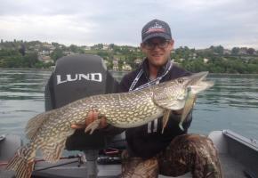 La pêche en rivière ou sur le lac réserve parfois de bonnes surprises. dr
