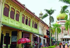 Le Singapour historique survit sous les totems de la modernité.