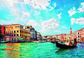 Le Grand Canal avec le pont du Rialto en arrière-plan. MIREILLE