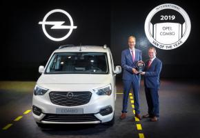 Le nouvel Opel Combo a reçu, en même temps que ses cousins Citroën Berlingo et Peugeot Partner, le prix «International Van of the Year». DR