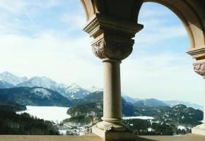 Le château Neuschwanstein compte 200 pièces, 664 fenêtres et des centaines d'œuvres d'art. PIXABAY.