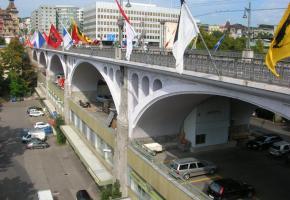 Depuis sa rénovation en 2003, le Pont Bessières a vu drastiquement chuter le nombre de suicides. DR