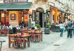 Des rues au charme typiquement parisien. 123RF