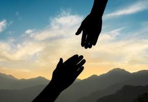 Parler du suicide, important de le faire de manière bienveillante. 123RF