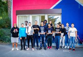 Quatorze des dix-huit jeunes qui ont participé au projet. MISSON