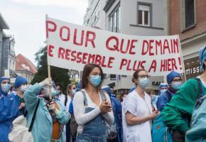 Partout en Europe, comme ici à Strasbourg, le personnel soignant réclame de meilleures conditions de travail. DR