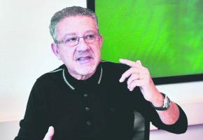 Près d'un an après la parution de son livre, Nabil Malek est toujours persona non grata à Dubaï. Valdemar Verissimo