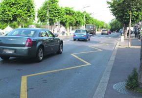 Les voitures circulant le long des quais d'Ouchy et de Belgique ne dérangent pas les commerçants et hôteliers.