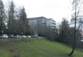 La Clinique Sylvana, située à deux pas du centre d'Epalinges, pourrait devenir le pôle gériatrique du canton.
