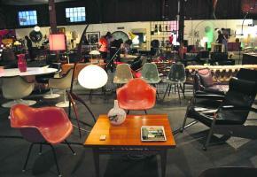 La 5ème édition des Puces du design.ch a lieu du 3 au 5 mai dans l'ancienne halle CFF de Morges.