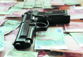 Les criminels de toutes sortes demeurent attirés par la Suisse et essaient toujours d'y placer leur argent.