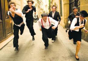 Un vent de folie souffle sur les concerts de ce sextet français.