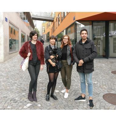 Le quatuor souhaite transmettre sa passion pour le monde culturel romand au travers de différents articles sur le webzine Pop Up Mag. MISSON