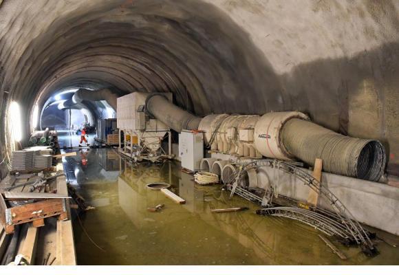 A gauche, la zone où il va falloir encA gauche, la zone où il va falloir encore percer la roche pour raccorder le futur tunnel à celui existant entre Chauderon et le Flon. Photo Verissimoore percer la roche pour raccorder le futur tunnel à celui existant entre Chauderon et le Flon.