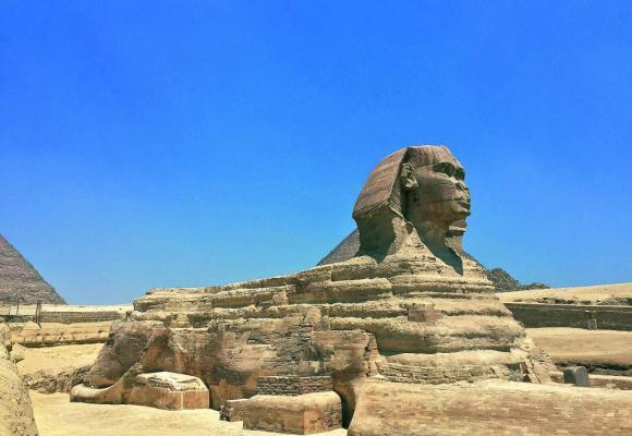 Le plateau de Gizeh ne serait pas complet sans le fameux Sphinx.