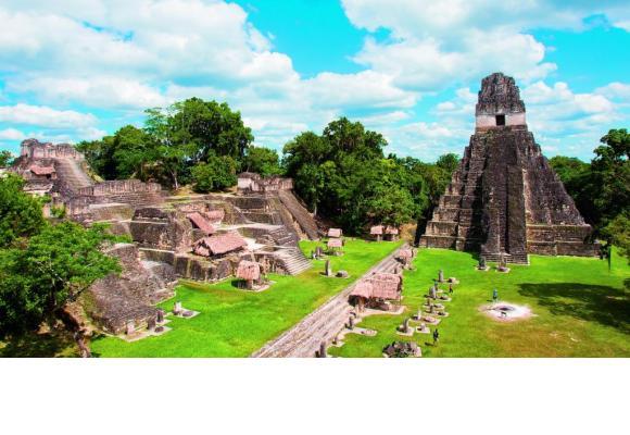 Tikal, qui signifie le «lieu des échos», a été la plus grande cité maya deux mille ans durant.