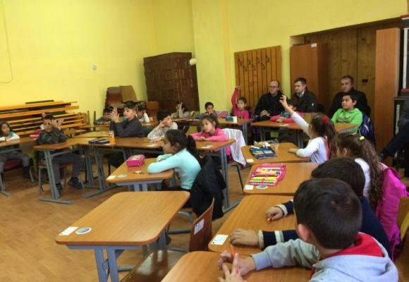 Dans la communauté Rom, l'abandon scolaire atteint pratiquement 20% des élèves inscrits! roulier