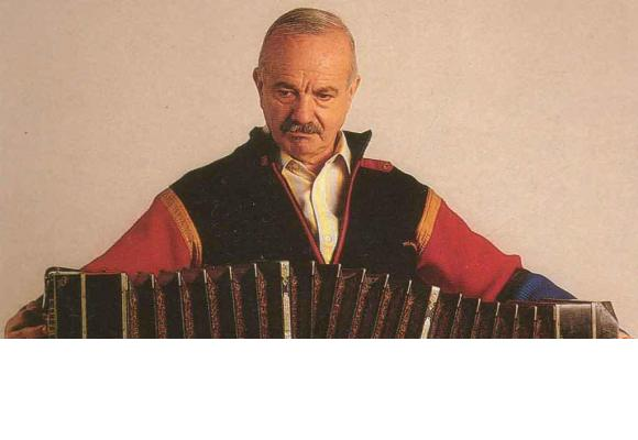 L'ombre d'Astor Piazzola, décédé en 1992 à Buenos Aires, va planer sur cette Saison 7ème saison musicale. DR