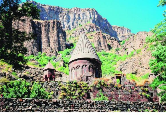 Le mythique monastère de Khor Virap sous la protection du mont Ararat, sur le haut-plateau arménien, mais situé en Turquie.