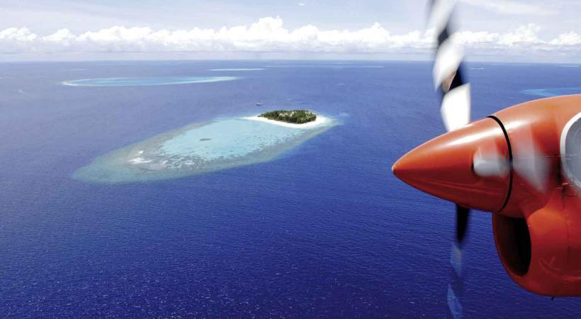 Survol des îles.