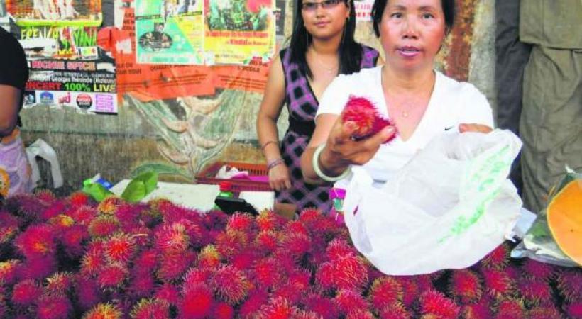 Ramboutans sur le marché de Cayenne.