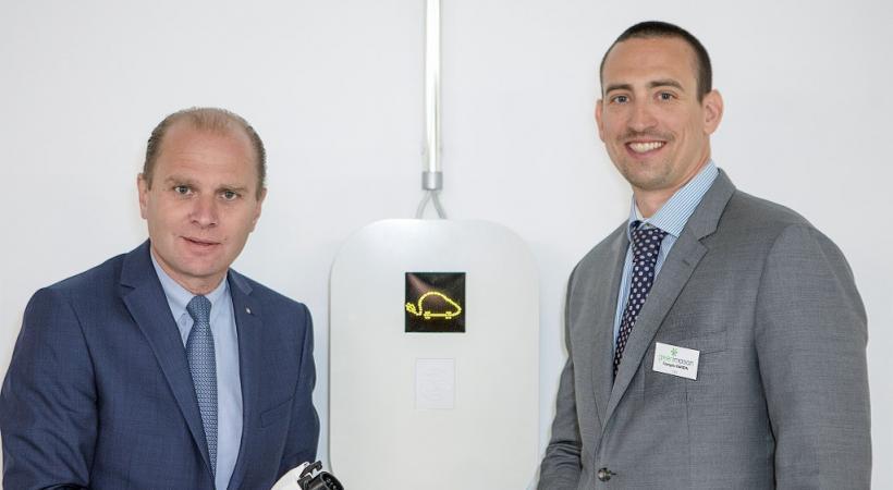 Le conseiller d'Etat Philippe Leuba et le CEO de Green Motion François Randin. kovacsphoto.pro