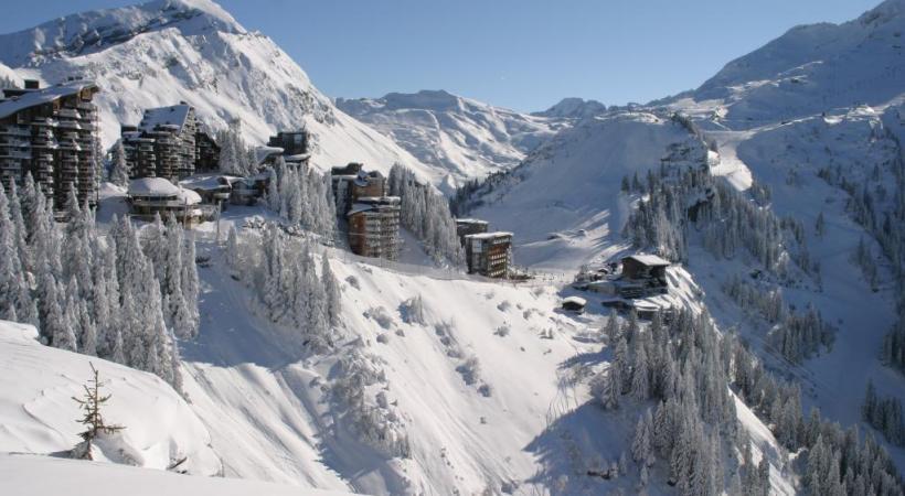 Créée en 1966, Avoriaz offre un panorama de rêve, à 1800m d'altitude. AVORIAZ TOURISME