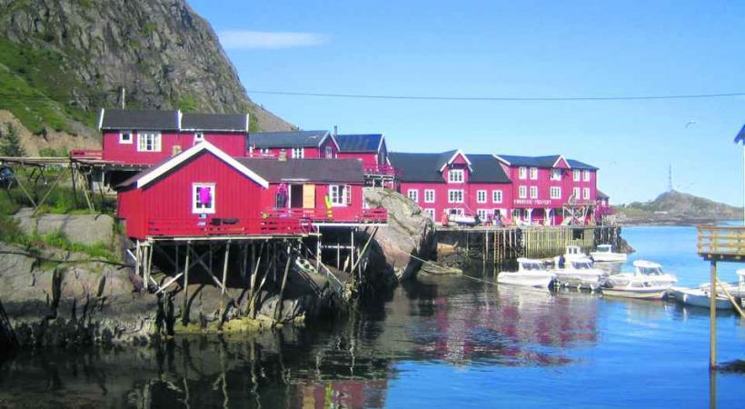 On peut prendre le temps de visiter quelques petits villages, avant de reprendre le bateau plus loin.