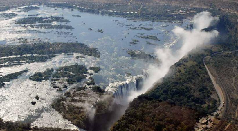 Les chutes Victoria sont appelées par les locaux