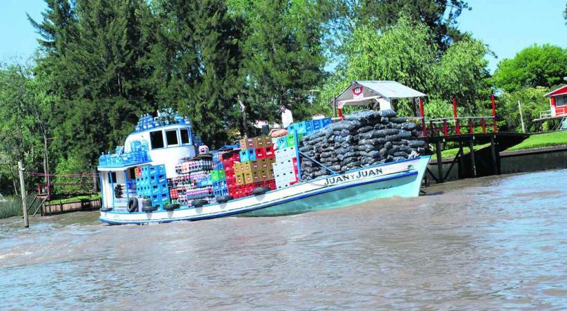 L'épicerie arrive dans le delta du Paraná.