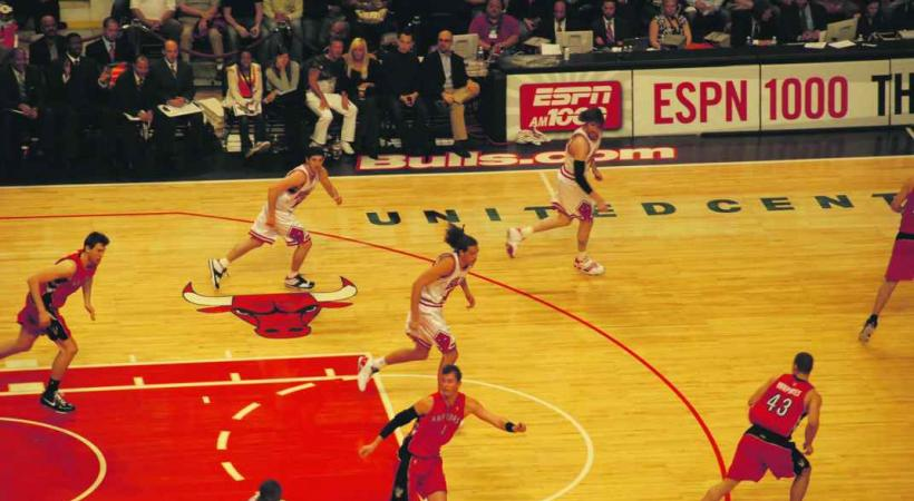 Le Chicago Bulls (en blanc) en action.