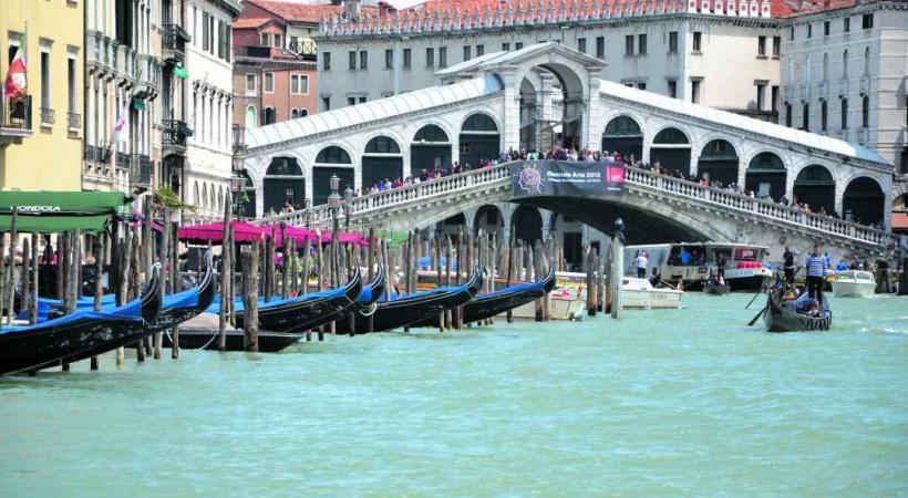 Le célèbre pont Rialto.