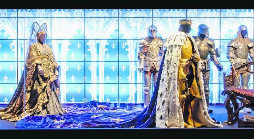 Le Centre national du costume de scène dévoile de prestieuses collections du monde.