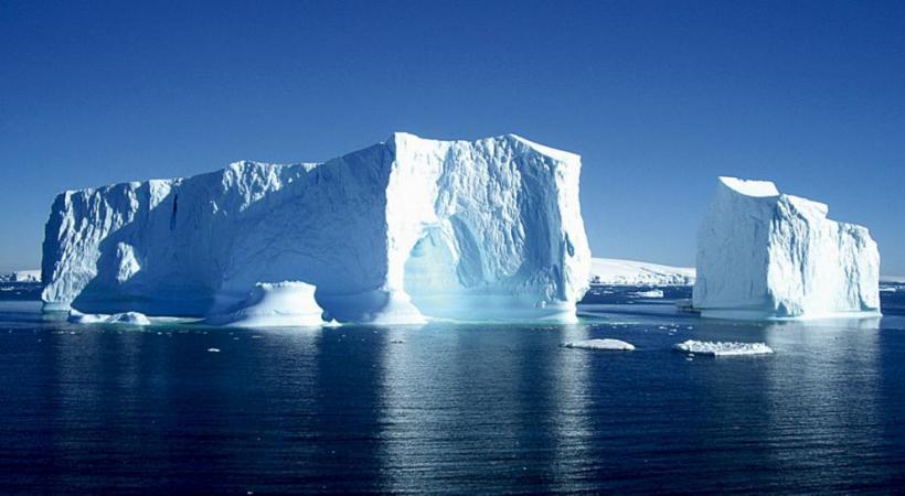 La nature se plait à sculpter les plus belles structures glacées.