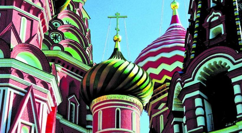 Les clochers à bulbe sont caractéristiques de l'architecture religieuse russe.