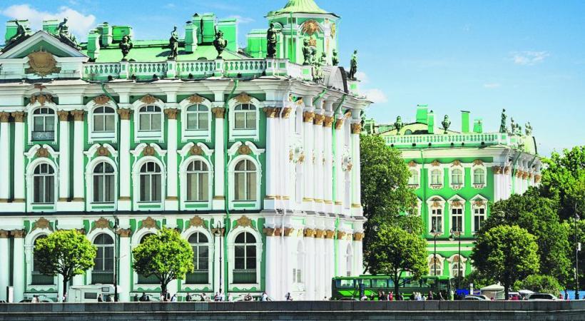 Saint-Pétersbourg: le musée de l'Ermitage est le plus grand du monde en termes d'objets exposés.