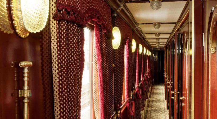 Les couloirs sont l'âme du train. ROLAND JUNG