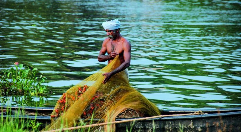 De nombreux habitants vivent grâce aux ressources de la pêche.
