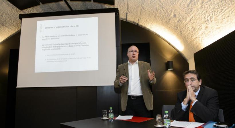 Pierre-Yves Maillard et Pascal Broulis, une même voix pour RIE? keystone