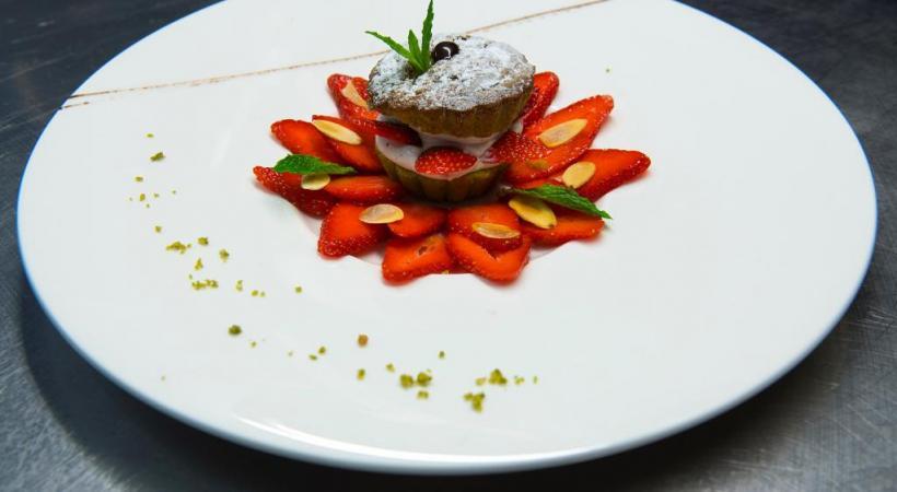 La fraise vaudoise et son financier pistache